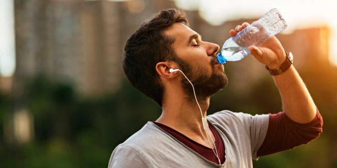 نوشیدن-آب-سرد-سوخت-و-ساز-بدن-را-افزایش-می-دهد