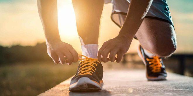 انتخاب-بهترین-لباس-و-لوازم-برای-پیاده-روی
