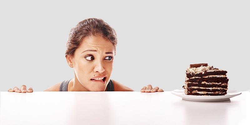 ۱۹-غذایی-که-می-تواند-میل-به-خوردن-شیرینی-جات-را-کاهش-دهد
