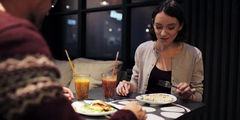 رابطه مثبت خوردن شام زودهنگام با سوزاندن چربی و کاهش قند خون